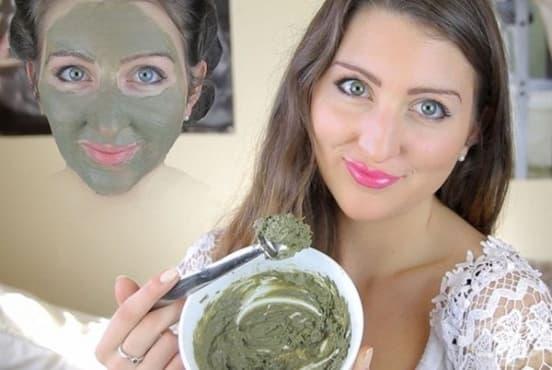 Направете си маска за мазна кожа с хума и листа от мента - изображение