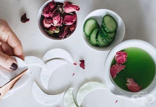 Заличете тъмните кръгове под очите с краставица и розова вода - изображение