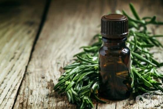 Почистете и освежете килима със сода и масло от чаено дърво  - изображение