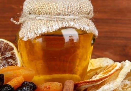 Облекчете зъбобола с мед и канела - изображение
