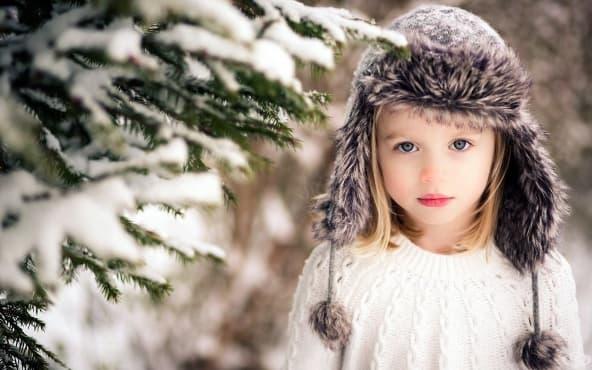 Как да убедите детето да носи шапка през зимата - изображение