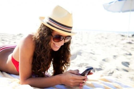 Пазете смартфона си от прегряване, когато сте на плаж - изображение