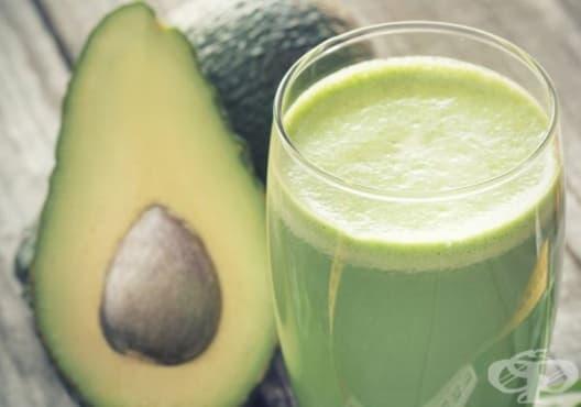 Намалете нивата на вреден холестерол с напитка от кокос и авокадо - изображение