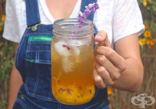 Намалете стреса със студен чай от праскова и лавандула - изображение