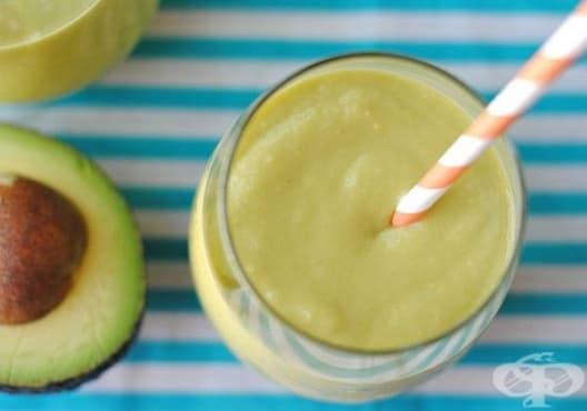 Намалете вредния холестерол в кръвта с напитка от ябълка, лимон и авокадо - изображение