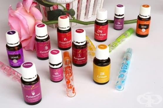 Направете си флорален парфюм от етерични масла и алкохол - изображение