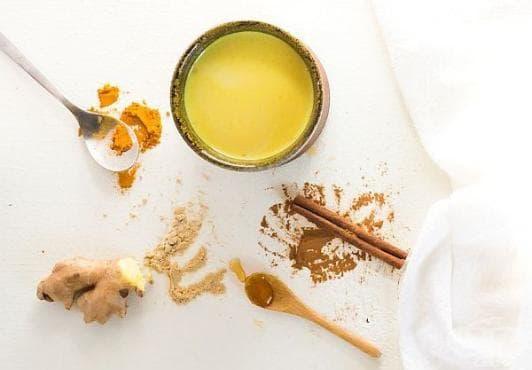 """Направете си """"златно мляко"""" за превенция от рак и други заболявания - изображение"""