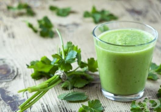 Направете си детоксикираща напитка от краставица и магданоз - изображение