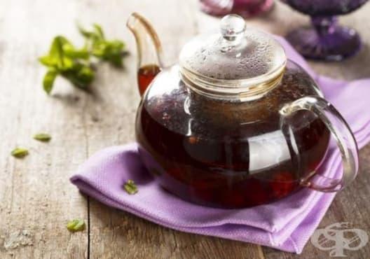 Направете си детоксикираща напитка от къпини и градински чай - изображение