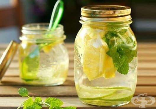 Направете си детоксикираща напитка от мента и ананас - изображение