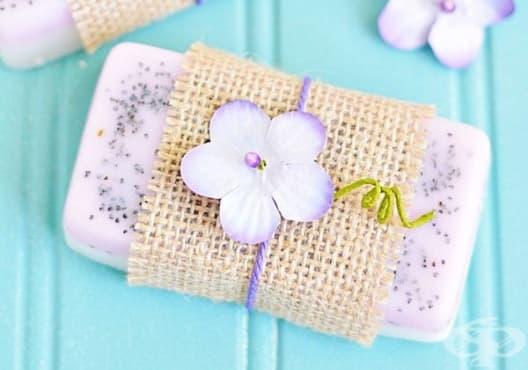 Направете си хидратиращ сапун от козе мляко, лимон и лавандула - изображение