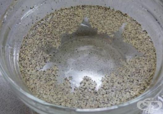 Насърчете изгарянето на излишни мазнини с вода от черен пипер - изображение