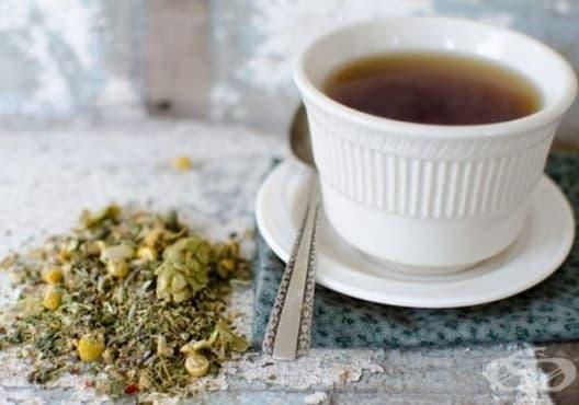 Насърчете съня с чай от лайка, валериана и жълт кантарион - изображение