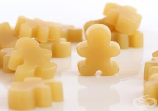 Облекчете болките в гърлото с бонбони от зелен чай, лимон и джинджифил - изображение