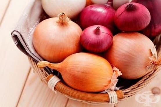 Облекчете кашлицата с лук, ябълка и мед - изображение