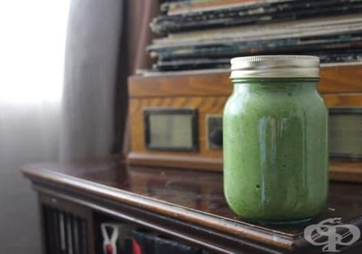 Облекчете мускулната болка с напитка от ябълка, кокос и спирулина - изображение