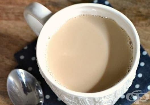 Облекчете възпаленото гърло с мляко, канела и черен чай - изображение