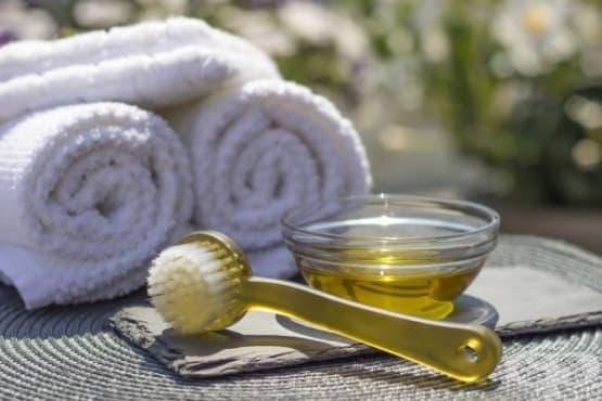 Облекчете менструалните болки чрез масаж с етерични масла - изображение