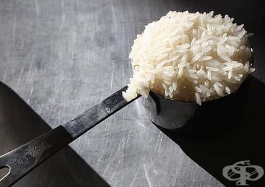 Почистете мелачката за кафе и подправки с ориз - изображение