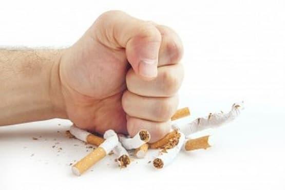 Откажете се от тютюнопушенето с чай от живовляк, мента и жълт кантарион  - изображение