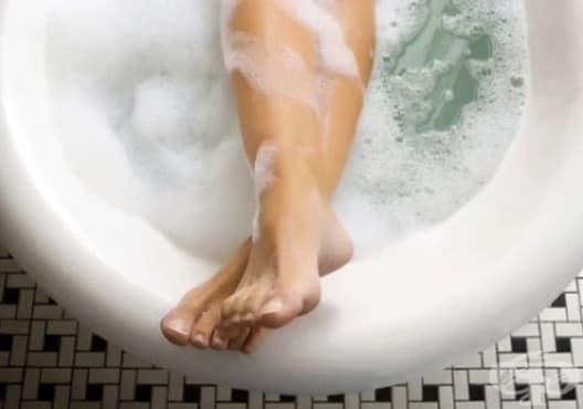 Отпуснете мускулите с релаксираща вана от алое, лайка и лавандула - изображение