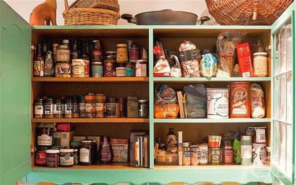 Отървете се от молците в кухненския шкаф само с лавандулово масло - изображение