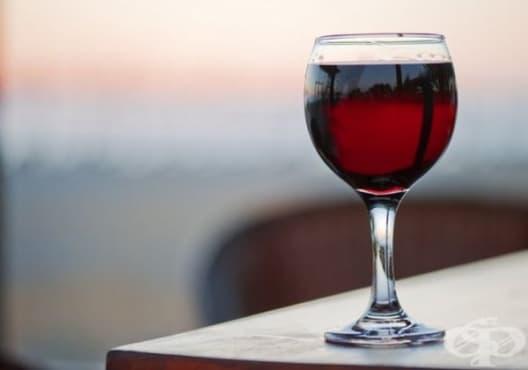 Отворете бутилка вино, без да използвате тирбушон, чрез 7 начина - изображение
