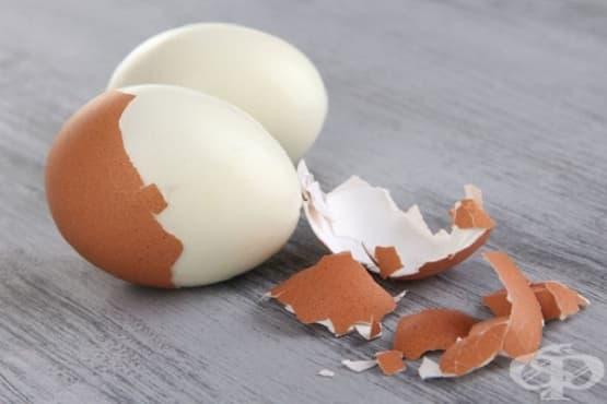 Опитайте трик за белене на яйце с чаша - изображение