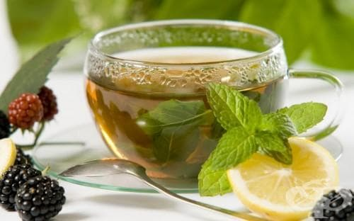 Пийте чай от мента против болки в стомаха - изображение