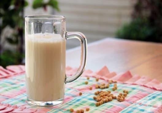 Подобрете паметта с напитка от соево мляко, пчелно млечице и пчелен прашец - изображение