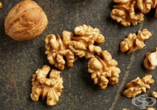 Подобрете плодовитостта и потентността с мед и орехи - изображение
