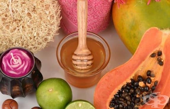 Почистете порите на лицето с маска от папая, мед, лимон и сандалово дърво - изображение