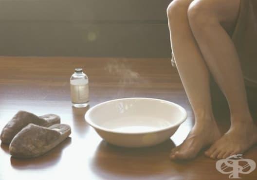 Правете вани от розмарин и оцет срещу миризма на краката - изображение