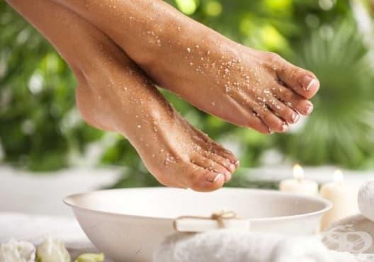 Правете вани със сол, сода и лавандула против уморени крака - изображение