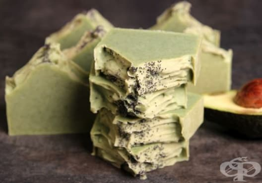 Предотвратете появата на бръчки със сапун от мед и авокадо - изображение