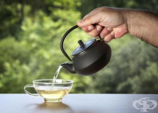 Предотвратете задържането на излишни течности в организма с бял чай - изображение
