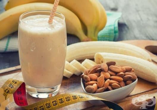 Предотвратете задържането на течности с напитка от банан, бадеми и соево мляко - изображение