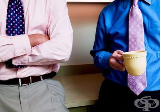 Прекратете 7 навика, свързани с езика на тялото, ако искате да бъдете успешни - изображение