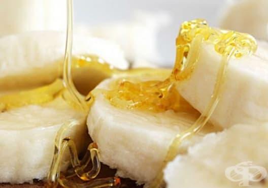 Премахнете афтите с мед и банан - изображение