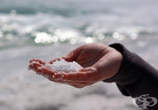 Премахнете лабиалния херпес с морска сол и чаено дърво - изображение