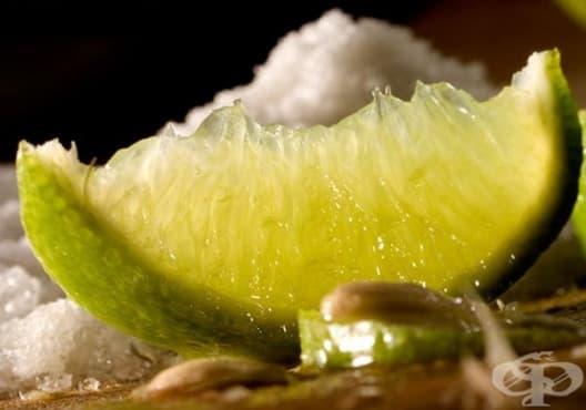 Премахнете синината и отока с лимон и сол - изображение