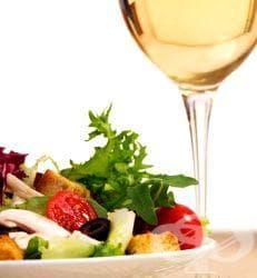 Пригответе си вино от копър, което да пиете по време на хранене - изображение
