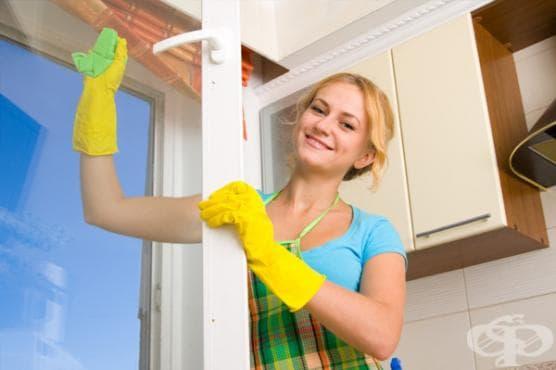 Пъхнете памук в пръстите на домакинските ръкавици, за да не ги късате с нокти - изображение