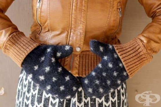 Превърнете стария пуловер в топли ръкавички   - изображение
