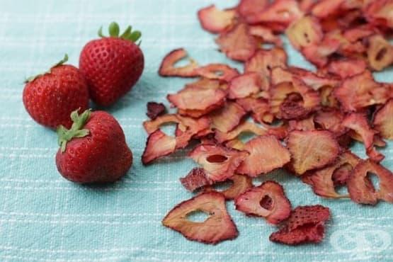 Зарадвайте децата с ароматен чипс от ягоди - изображение