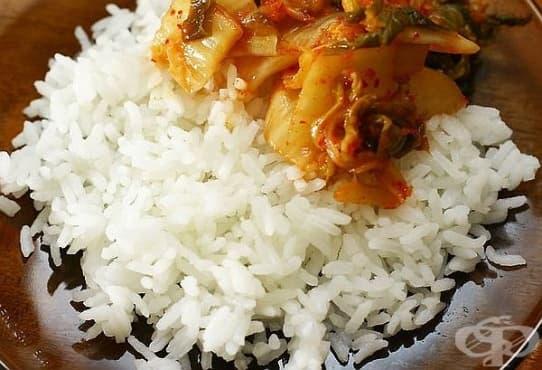 Отстранете миризмата на загорял ориз с помощта на хляб - изображение