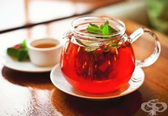 Подобрете храносмилането с напитка от ройбос и мента    - изображение