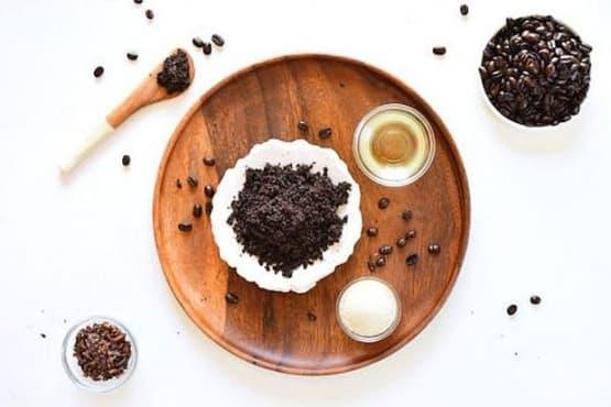 Обновете кожните клетки със скраб от кафе, какао, бадем и ванилия   - изображение
