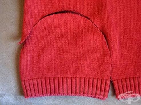 Превърнете стария пуловер в топла шапка за малчугана - изображение