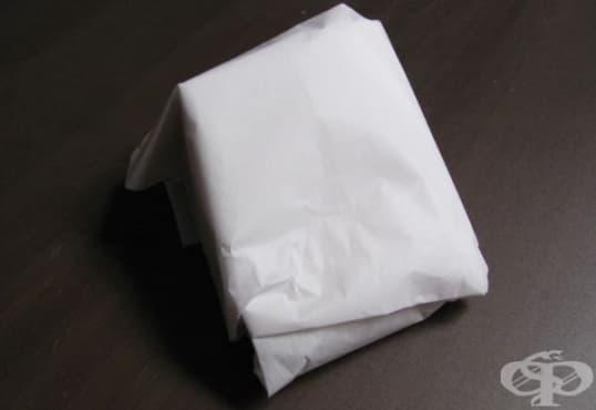 Увийте сиренето в пергаментова хартия, за да увеличите трайността му - изображение